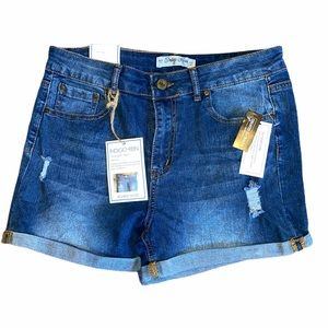 NWT Indigo Rein Distressed Denim Shorts